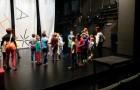 V gledališču