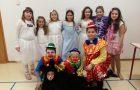 Nastop učencev podružnične šole Vreme na prireditvi ob prihodu dedka Mraza